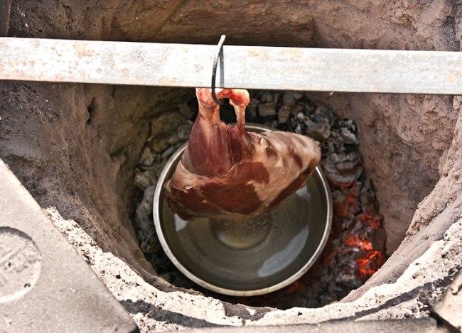 расположение мяса в тандыре