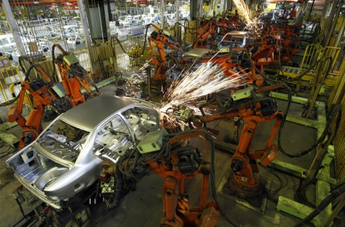 Perdalam Wawasan Persaingan Pasar dengan 25 Database Spesifik Industri Otomotif