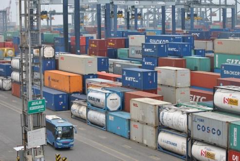 Tertinggal Dibanding AS dan China, Ekonomi RI Dinilai Belum Lepas dari Resesi