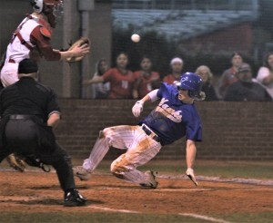 Hawks capture baseball, softball wins at Western