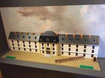 Bâtiment des Gardes suisses de Rueil-Malmaison, en France, 4700 briques, 20 heures de travail
