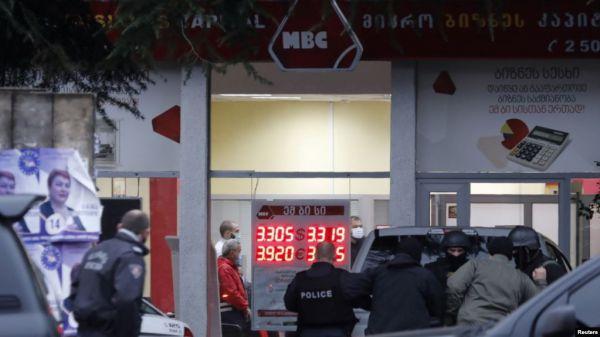 В Тбилиси задержали преступника, захватившего 9 заложников