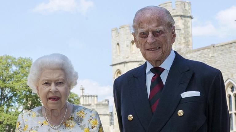 Королева Великобритании Елизавета II и её супруг принц Филипп привились вакциной от коронавируса | Новости Николаев