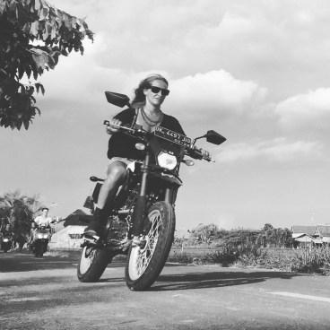 bennu bw motosiklette
