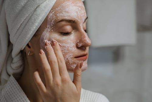 Грижа за лице с домашн маска