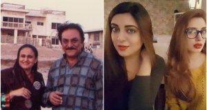 گزشتہ رات نامور پاکستانی اداکار عابد علی ہم سب سے بچھڑ گئے جس پر ہر شعبہ زندگی کے افراد اور ان کے مداحوں کی رنج و غم کا اظہار کیا جارہا ہے۔ عابد علی طویل علالت کے باعث گزشتہ دو ماہ سے اسپتال میں زیر علاج تھے ان کے آخری دنوں میں سوشل میڈیا پر ان انتقال کی افواہیں گردش کررہی تھیں جس کی تردید ان کی صاحبزادی رحمہ علی نے کی تھی۔ تاہم گزشتہ رات عابد علی کے اہل خانہ کی جانب سے ان کے انتقال کی خبر تصدیق کی گئی اور ان کی مغفرت کے لیے دعا کی درخواست کی۔ عابد علی کی انتقال کے کچھ دیر بعد غم سے نڈھال رحمہ علی نے انسٹاگرام پر ایک ویڈیو شیئر کی جس میں انہوں نے اپنی سوتیلی والدہ و اداکارہ رابعہ نورین پر الزام عائد کیا کہ وہ بغیر بتائے اسپتال سے والد کی میت لے گئیں۔ گلوکارہ و اداکارہ رحمہ علی نے ویڈیو میں کہا کہ 'وہ پوری دنیا کو بتانا چاہتی ہیں کہ والد کی دوسری اہلیہ رابعہ نورین ان کی میت لے کر اسپتال سے چلی گئی ہیں۔