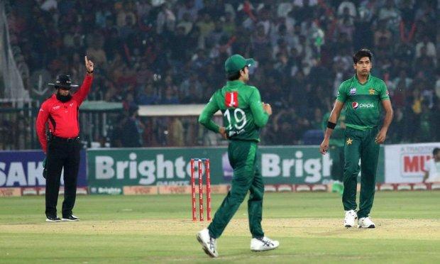 پہلا ٹی ٹوئنٹی: سری لنکا نے پاکستان کو 64 رنز سے شکست دے دی