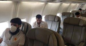 پاکستان کرکٹ ٹیم خصوصی طیارے پر دورہ انگلینڈ کے لیے روانہ