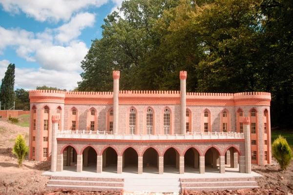 Polska atrakcja turystyczna park miniatur wrocław palac w kamiencu zabkowickim