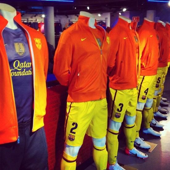 FC Barcelona nowe stroje zawodników na sezon 2012/2013- z logo sponsora Quatar Foundation