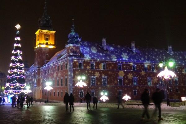 swieta-grudzien-Warszawa-noc-boze-narodzenie-jarmark-bozonarodzeniowy-iluminacjepg