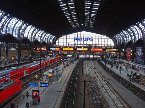 hamburg-hauptbahnhof-dworzec-glowny-pociag