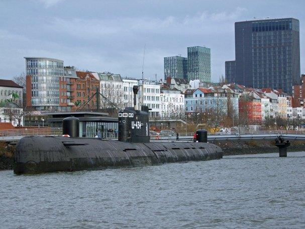 hamburg-u434-rosyjska-lodz-podwodna-laba-elbe-zwiedzanie-rejs