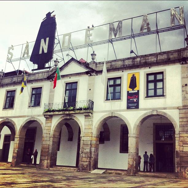 Villa-Nova-de-Gaia-sandeman-porto-wino-piwnice-portugalia