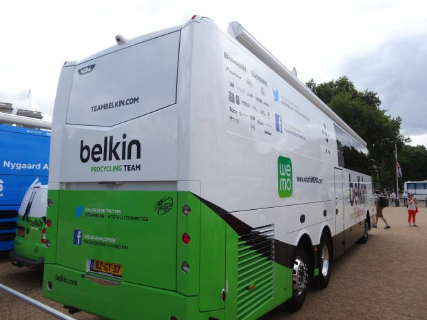 london-tour-de-france-bus-Belkin Pro-Cycling-Team