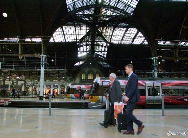 londyn-stacja-paddington-mis-pociag-komunikacja-pamiatki-wielka-brytania-paddingtontrail-atrakcje-dla-dzieci-anglia-00012