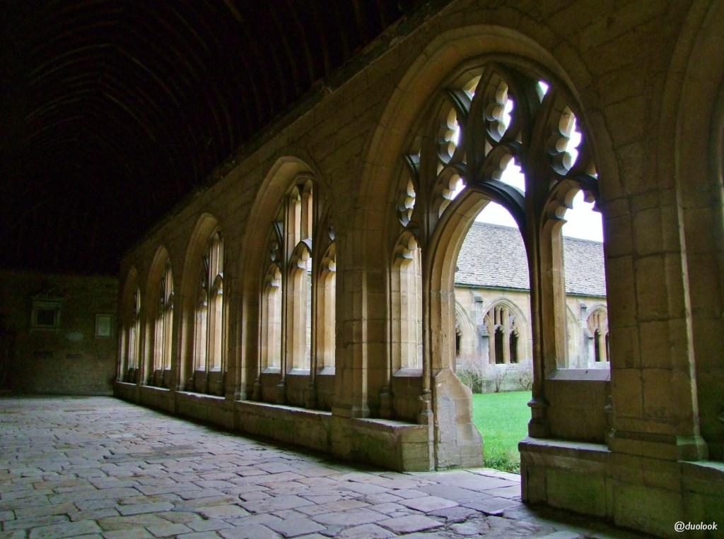new college oksford kruzganki