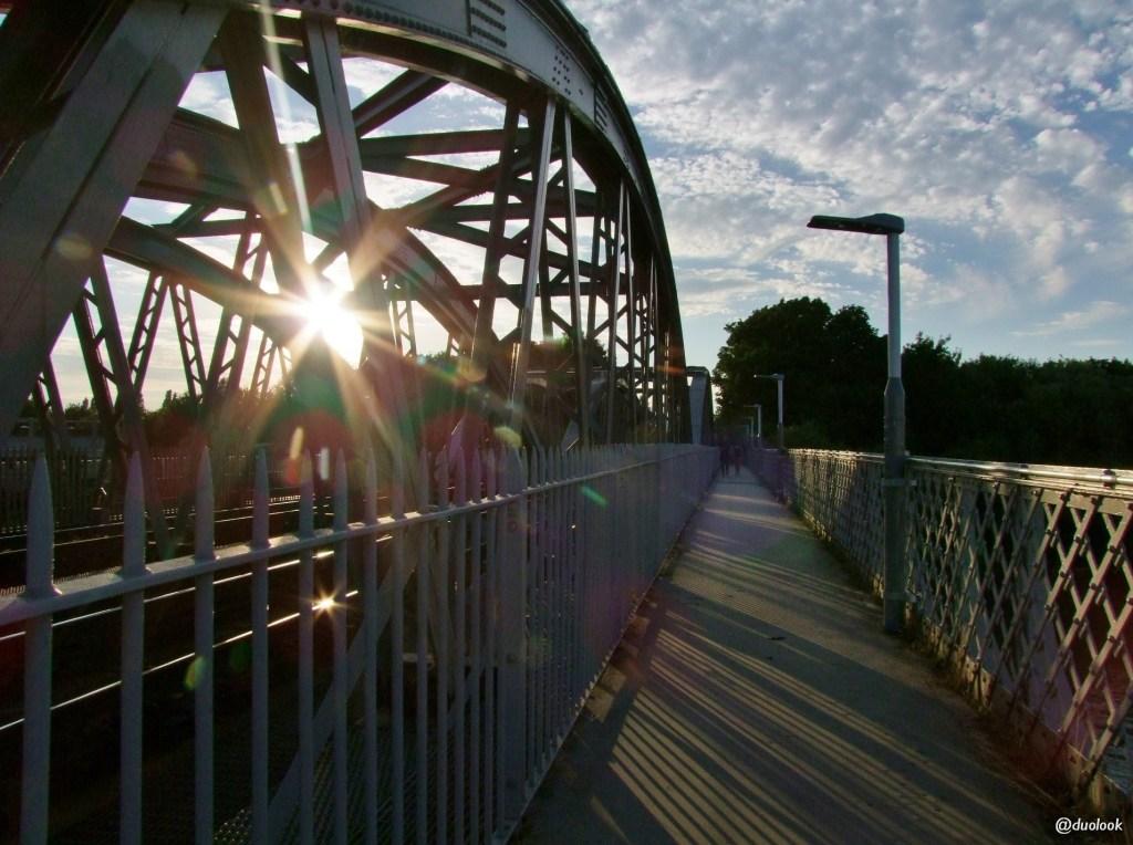 Mosty nad Tamizą w Londynie