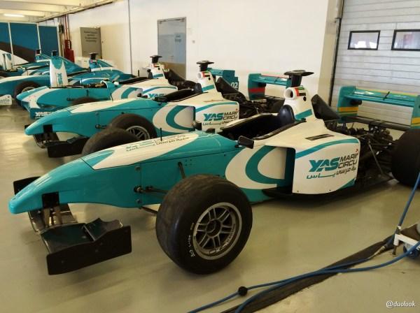 ABU DHABI garaz bolidy formula 3000 yas marina circuit
