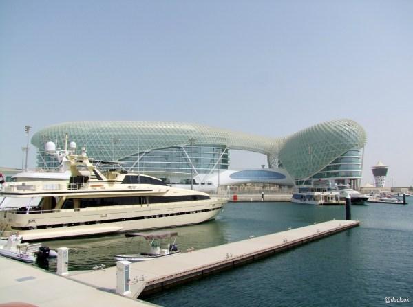 ABU DHABI LUKSUSOWY HOTEL YAS VICEOY