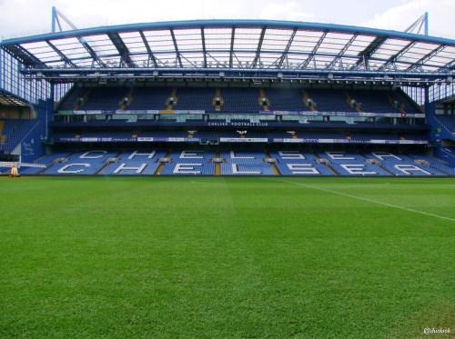 murawa-stadionu-chelsea-fc-stamford-bridge-ceny-biletow-zwiedzanie-atrakcje-londynu-pilka-nozna-14