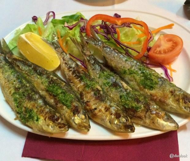 sardinas-sardynki-barcelonie-restauracja-katalonia-co-zjesc-w-hiszpanii-ryby-04