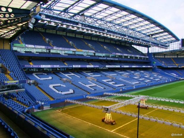 zwiedzanie-stadionu-chelsea-stamford-bridge-trybuny-atrakcje-londynu-pilka-nozna-18