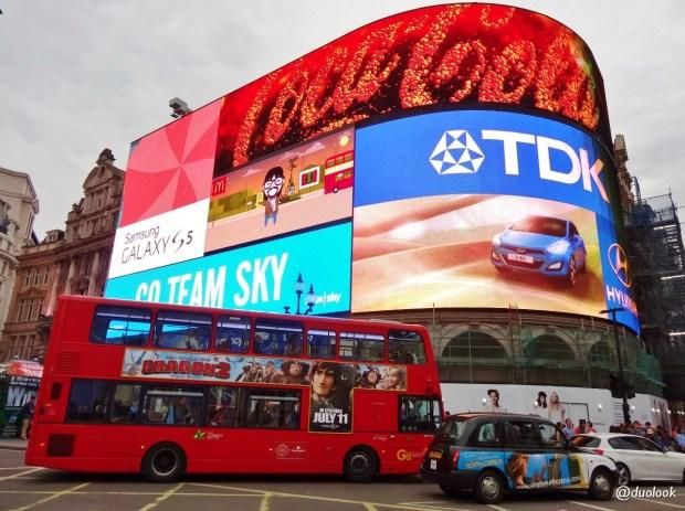 atrakcje-w-londynie-Piccadilly-Circus-