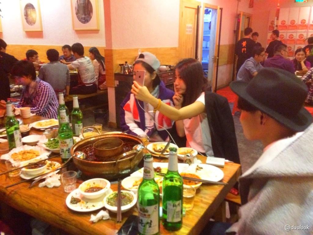 chinczycy w restauracji