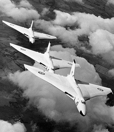 Avro Vulcans in anti-flash white in 1957