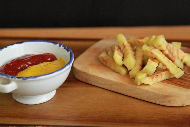 batata-frita-de-micrrondas-dupla-gourmet-1140x760 (1)