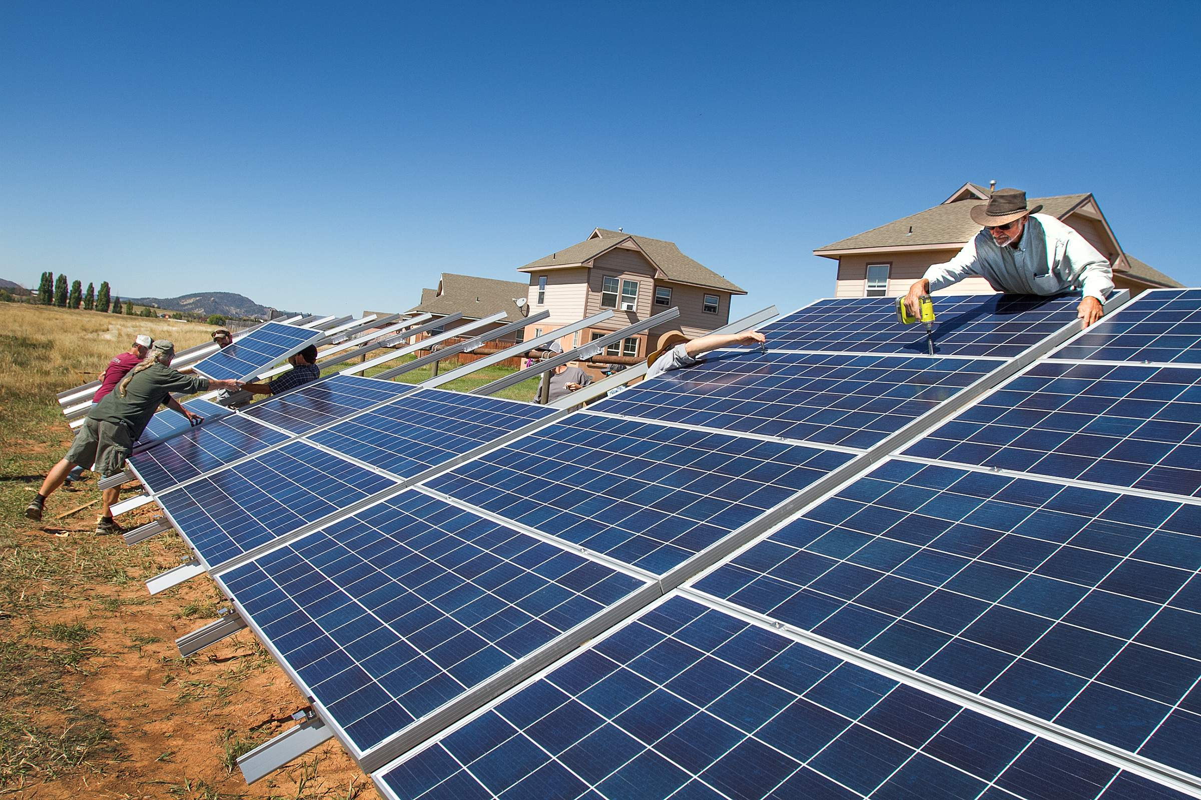 2 solar projects aid lowincome families