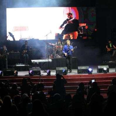 Imagen del concierto de Alexander Acha en Durango.