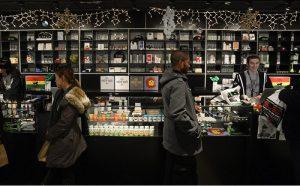 cannabis-sales-up-septemeber2016
