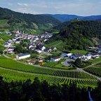 Postkartenidylle auf dem Rotweinwanderweg in der Eifel