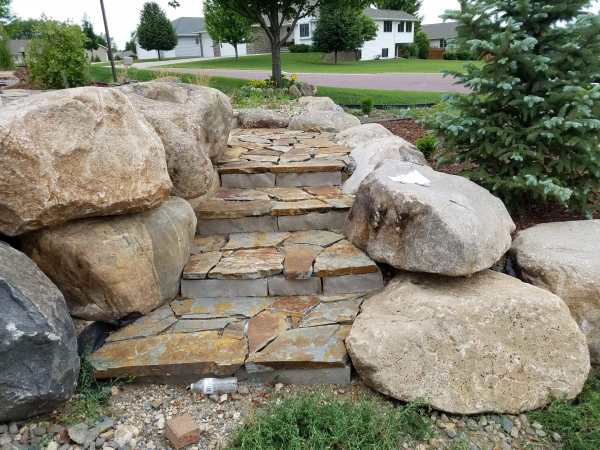 boulders and rustic ledge duro