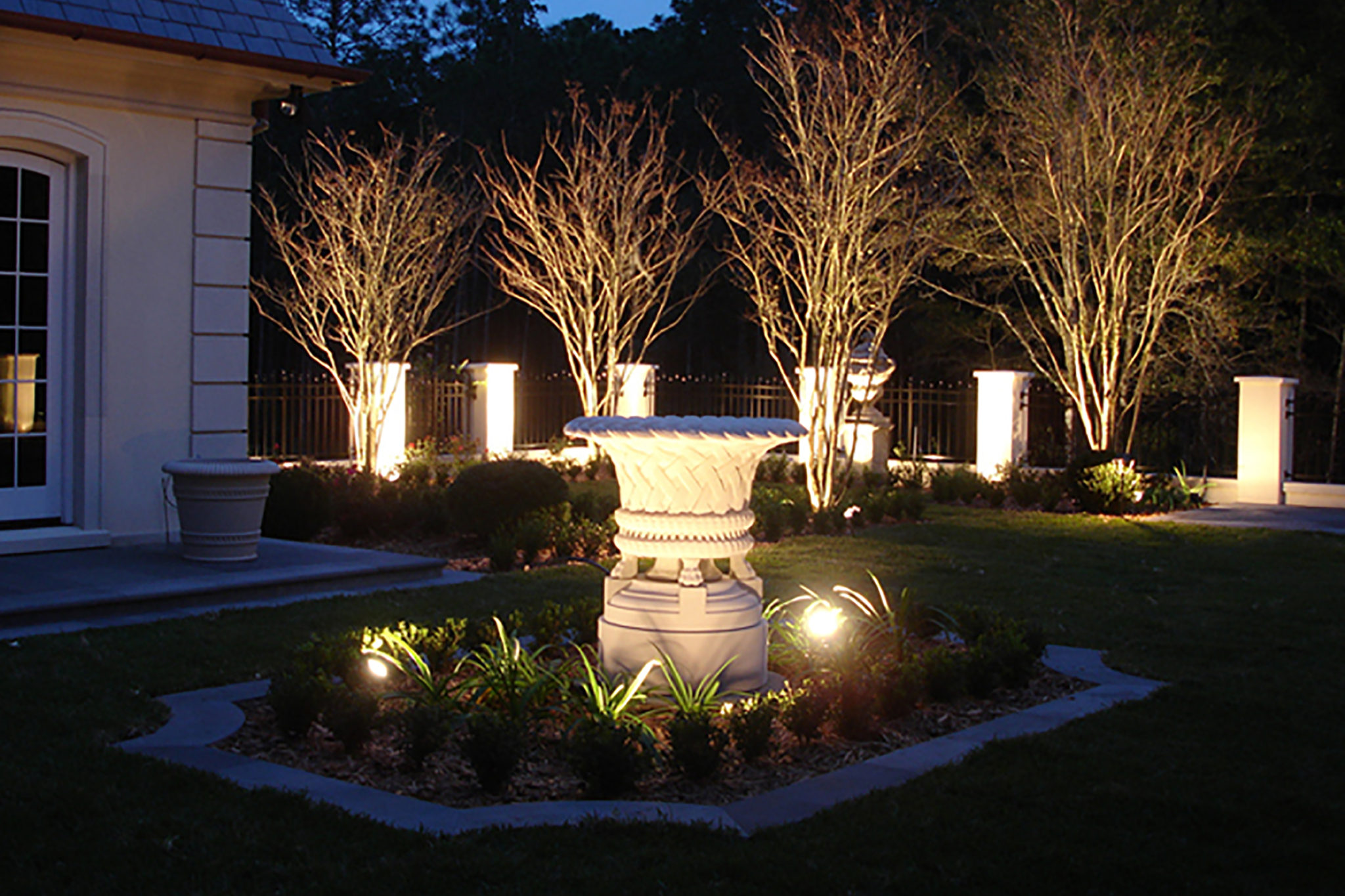 Landscape Lighting Design & Installation St Louis  Dusk