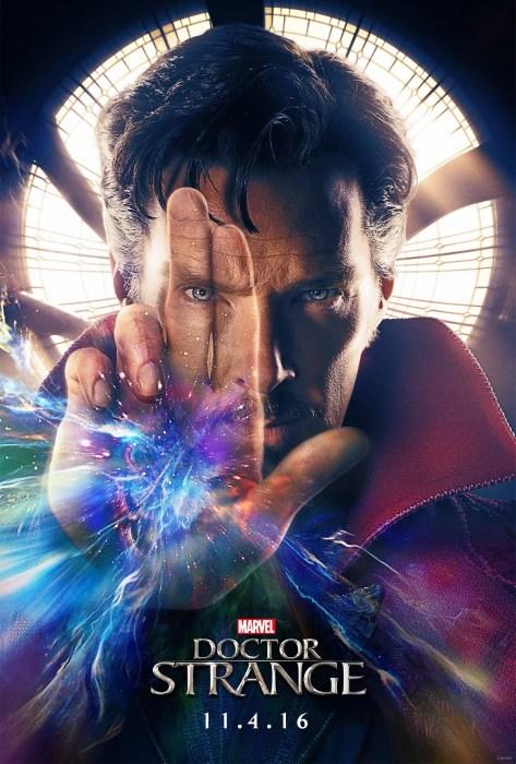 Doctor Strange posterinden paralel evren kokusu sezebiliyoruz!