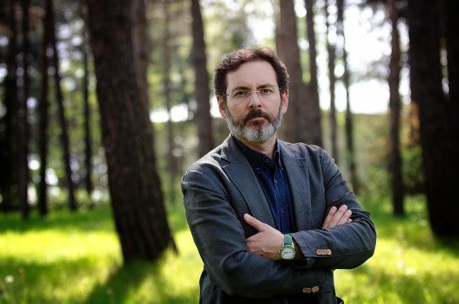 Murat Gülsoy Büyübozumu: Yaratıcı Yazarlık ile gözümüzün önünde olup dikkat etmediğimiz bir çok noktaya değnmiş.