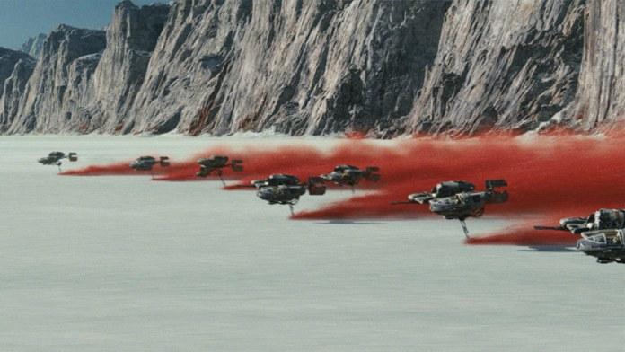 Star Wars The Last Jedi The Force Awakens'ta yakalanan ses ve görüntü kalitesini bir üst seviyeye taşıyor. Rian Johnson'a bu konuda hakkını teslim etmek lazım.