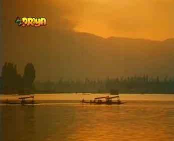 A sunset on Dal Lake