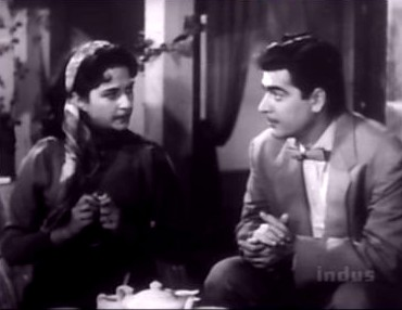 BIna gives Ajit the cold shoulder