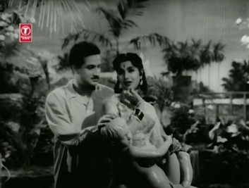 Ramesh romances Tara