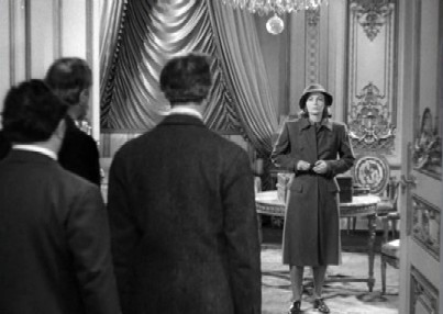 The severe Ninotchka arrives in Paris