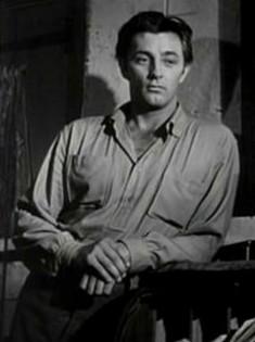 Robert Mitchum in Pursued