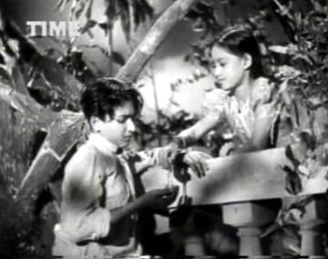 Lata gifts Chandra her watch