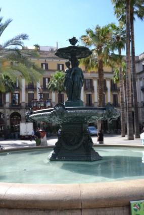 Fountain in Plaça Reial