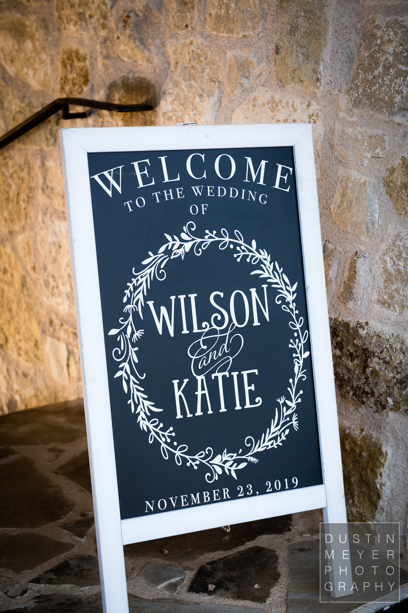 A custom wedding day sign decoration