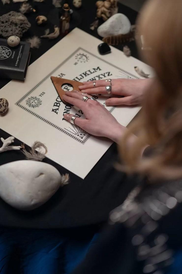 Ouija tahtasi kullanin
