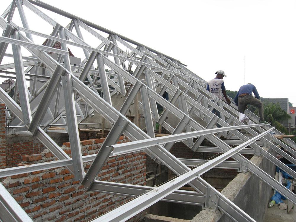 rangka baja ringan atap miring duta folding gate